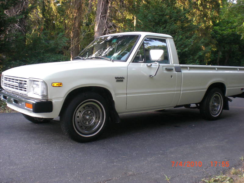 Dsl Toyota Trucks 1982 Toyota Diesel Pickup On Ebay